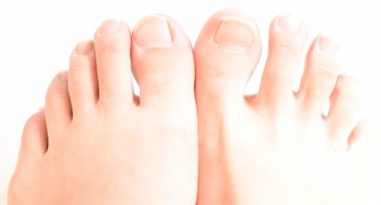 足の爪が臭い根本的な原因と簡単な悪臭予防法